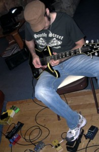 "Bruce working on the ""Hand of the King"" solo - click to see it bigger (Kulick.net photo)."