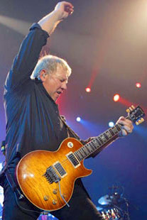 WoodyTone! - Alex Lifeson's Snakes and Arrows Gear